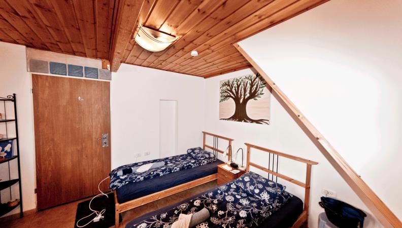 fiddlers-inn bedroom